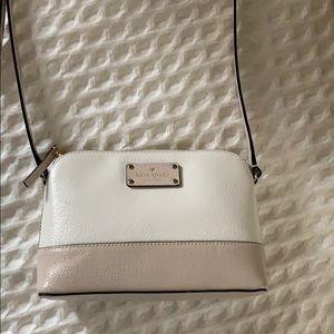 White and neutral crossbody bag- Kate spade